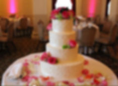 Kens-Flower-Cafe-Wedding-Cake