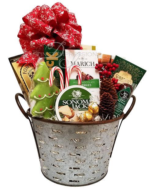 Christmas Treats Gift Basket - Family Gift