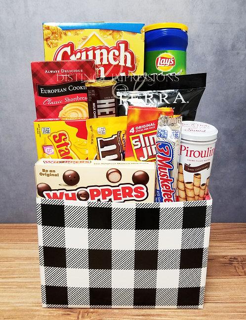 Crunch and Munch Snacks Gift Box