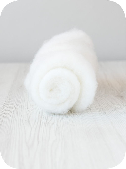 Carded New Zealand wool in Snow