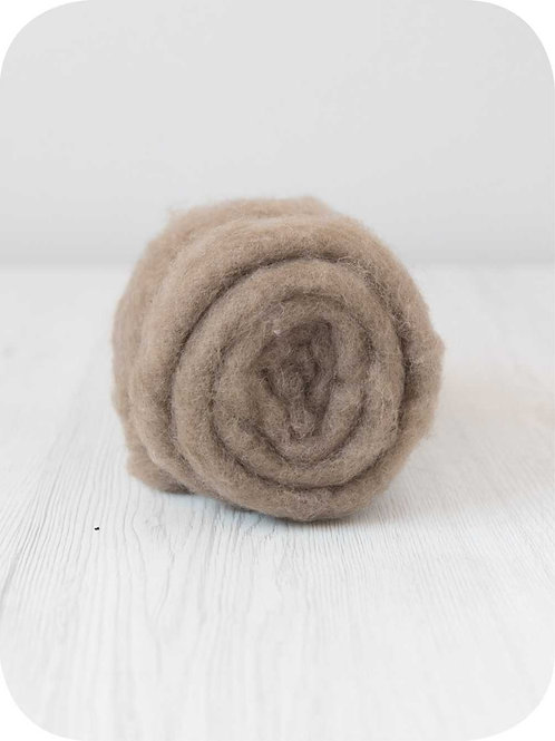 Carded New Zealand wool in Earth