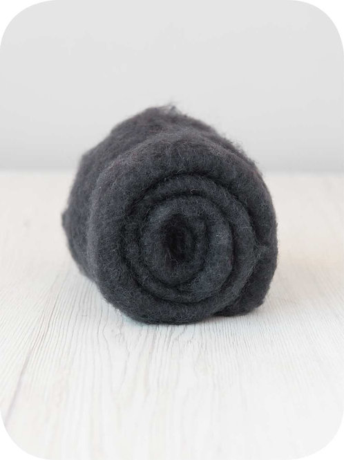Carded New Zealand wool in Graphite