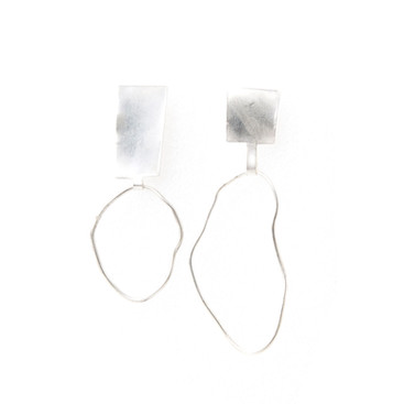 Mixed Feelings, Contra earpieces
