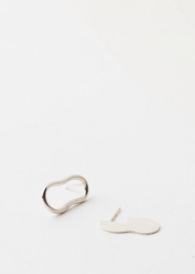 Unevenly balanced silver studs