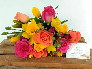 How to keep your flowers fresh in this HOT weather?