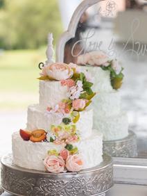 Peach Summer Wedding Inspiration Cake an