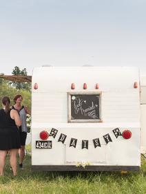Rustic Wedding Rentals Vintage Caravan B