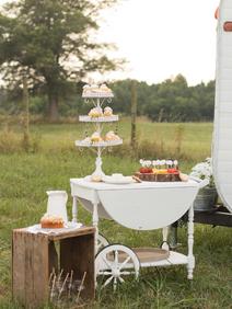 Vintage Caravan Bar for Weddings - Virgi