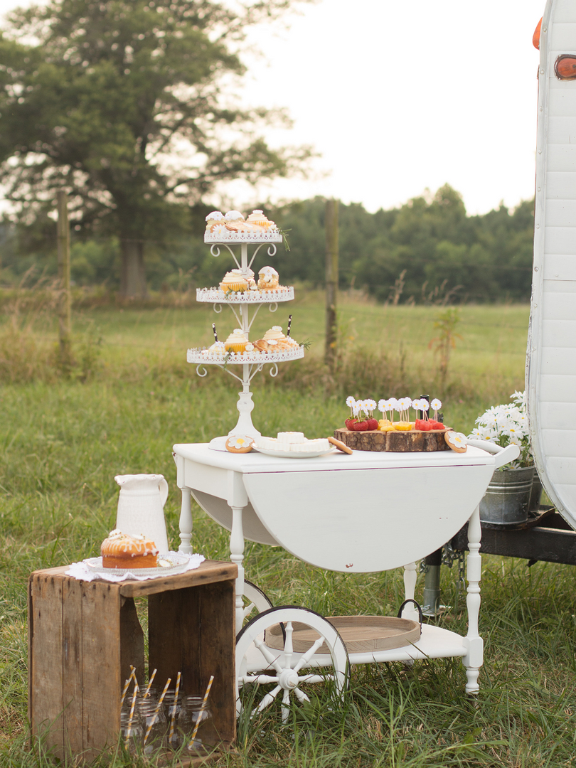 Vintage Caravan Bar for Weddings - Virgi