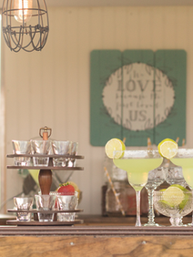 Vintage Caravan Bar for Weddings Margari