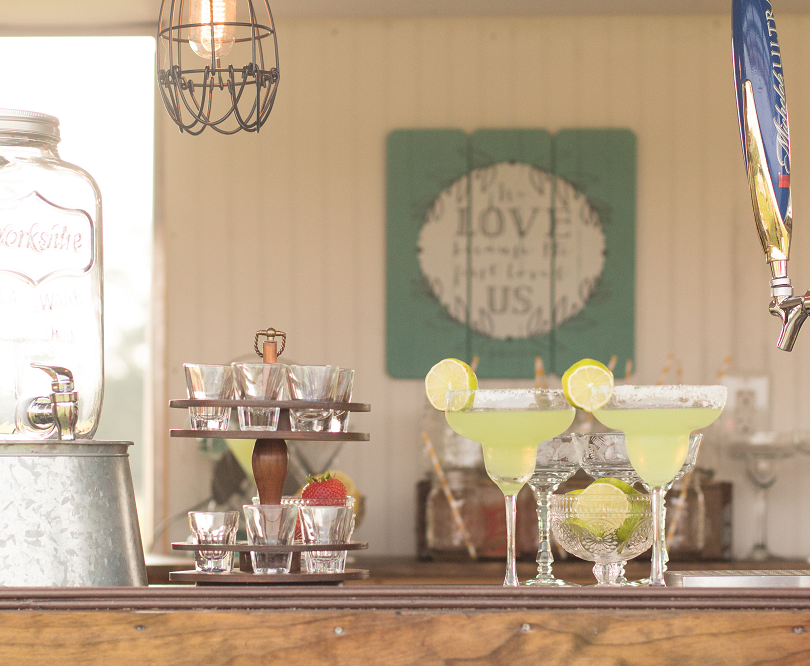 Vintage Caravan Bar for Weddings Margari