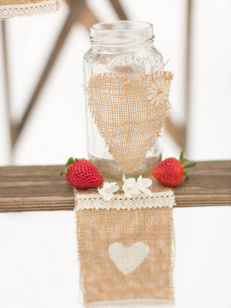 Winter Wedding Styled Shoot Burlap Detai
