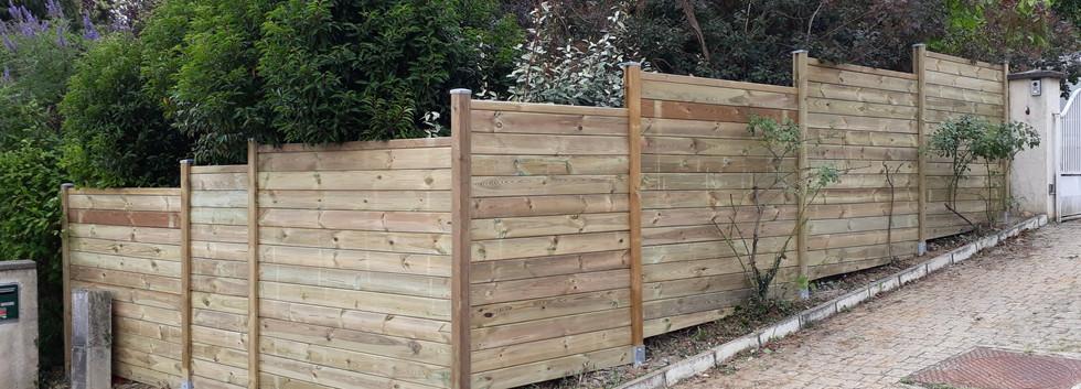 Créateur clôture bois Rhône.jpg