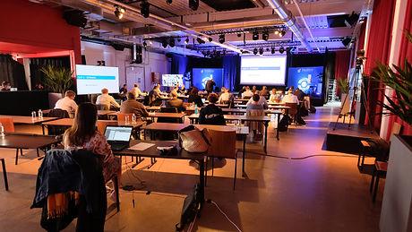Hybride conferentie 10