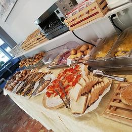 prima colazione-hotel-ambasciata.jpg
