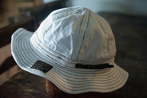 Six panel hat -white-