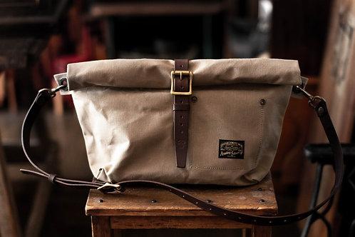 Roll top bag -beige-