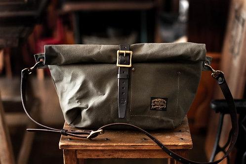 Roll top bag -olive-