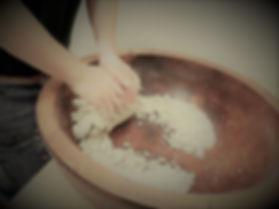 蕎麦粉こね.jpg