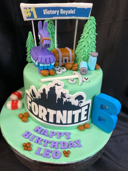 Fortnite Theme Cake 1