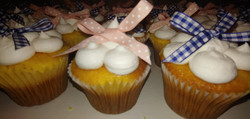 Baby Shower Cupcakes with Bows2