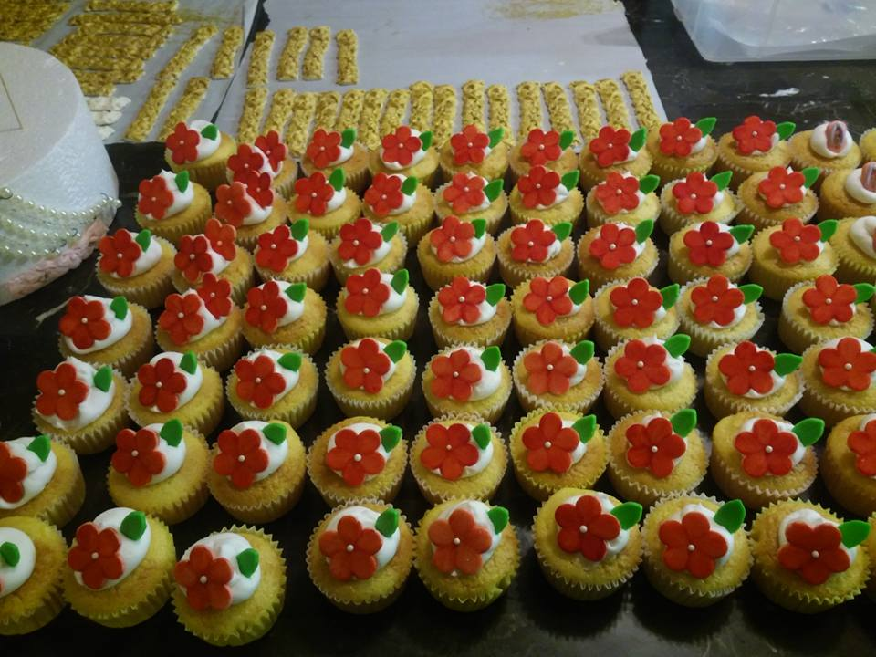 Hawiian Cupcakes
