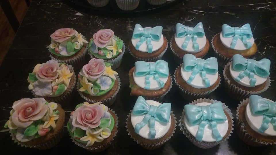 Flower and Bows Cupcakes
