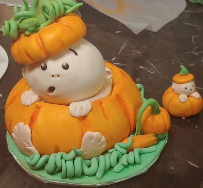 Pumpkin Cake Topper_edited
