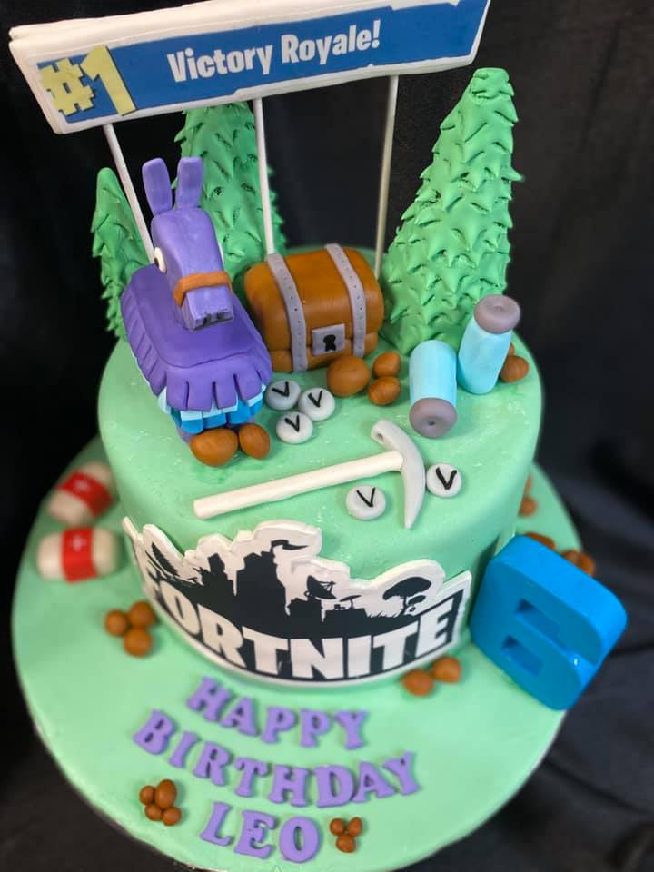 Fortnite Theme Cake 2