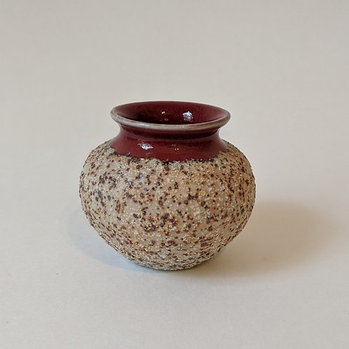 Porcelain Mini Vase w/beach sand