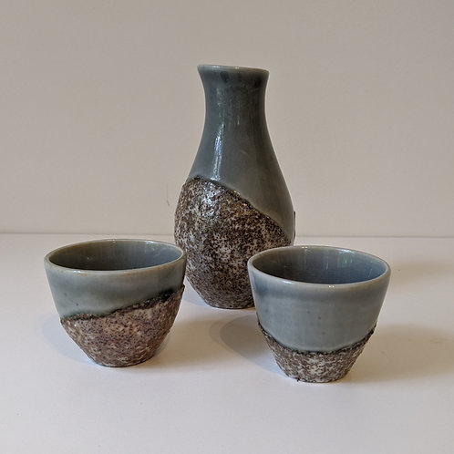 Porcelain Sake set w/beach sand