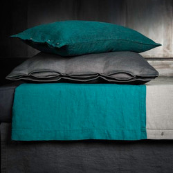 Cotton and linen bed sheets
