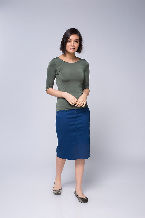 חולצת בסיס ירוק זית