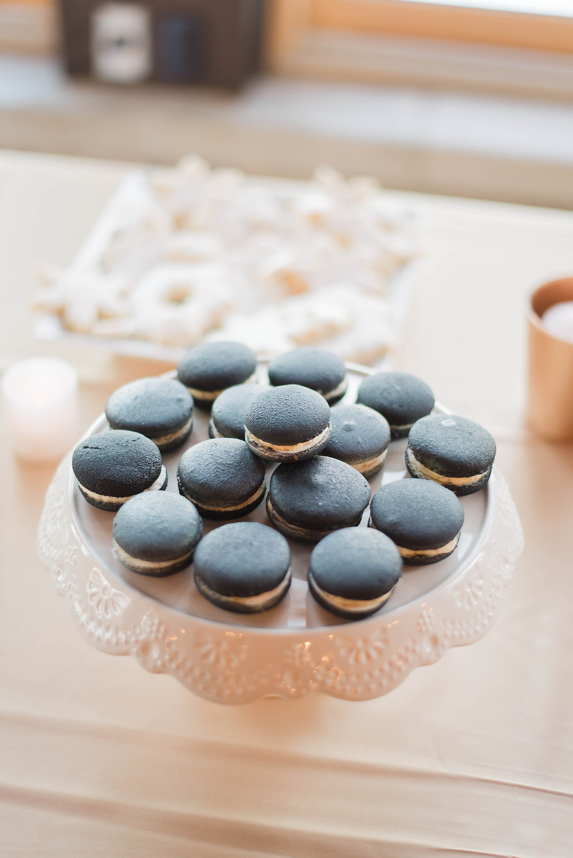 black macarons