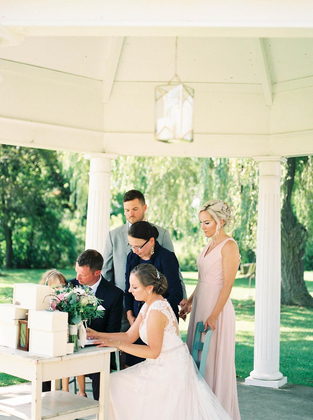 cayuga ruthven park wedding ceremony