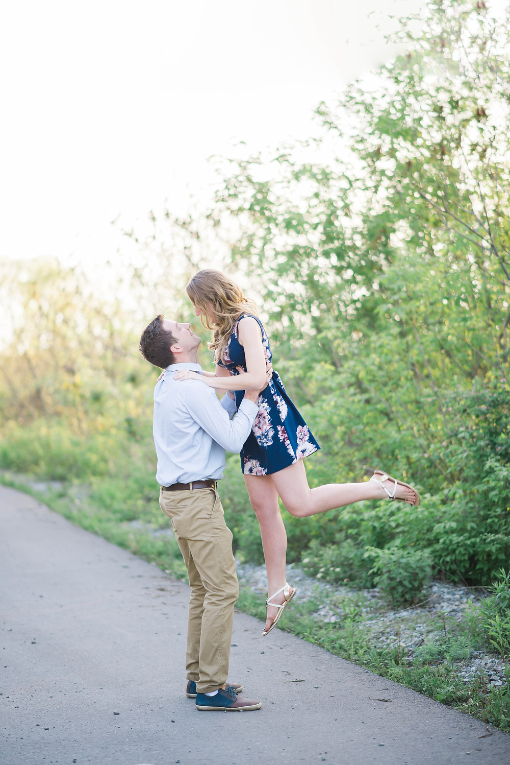 engagment picture poses