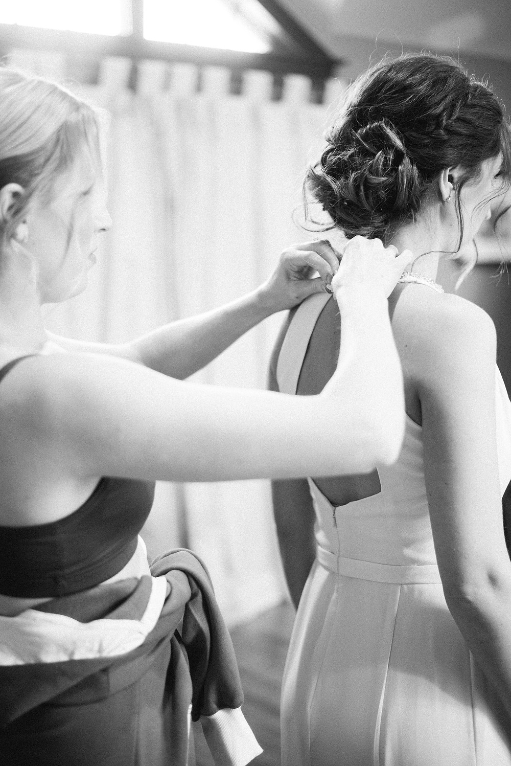 getting ready pictures wedding