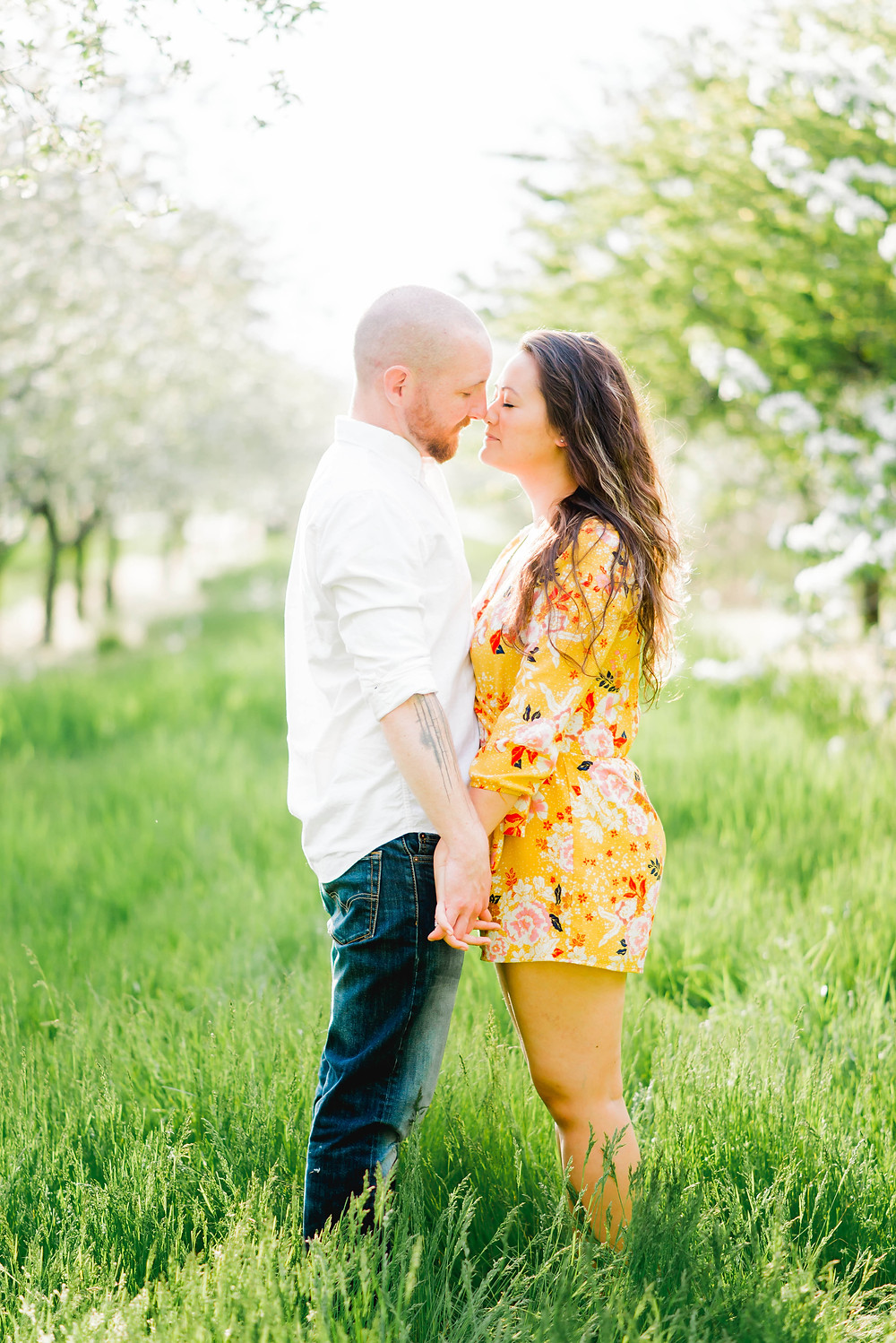 engagement session cherry blossoms