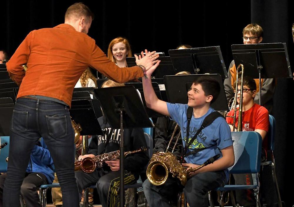 תלמידים ומורה לג'אז
