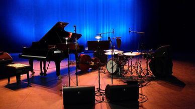 Stage (dwnscld).jpg