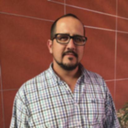 Carlos-Escudero-Veterinario.jpg