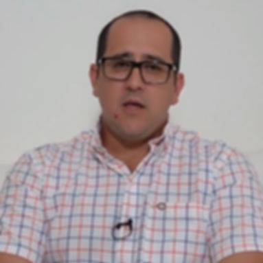 Dr-Carlos-Escudero.jpg