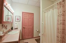 Landmark I Bathroom