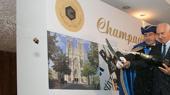 """Les Awarded the """"Confrerie des Sacres de la Champagne"""""""