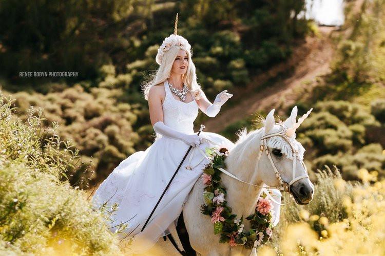 Royal Unicorn and Sidesaddle Unicorn Princess packa