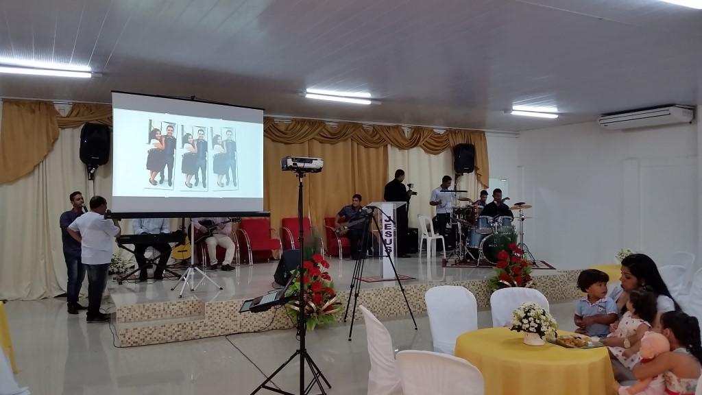Festa de aniversário do pastor
