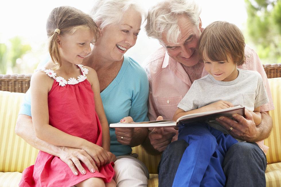 Grandparents And Grandchildren Reading B