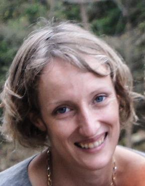 Maddy Serret-Clarke - prof de yoga sur Valence