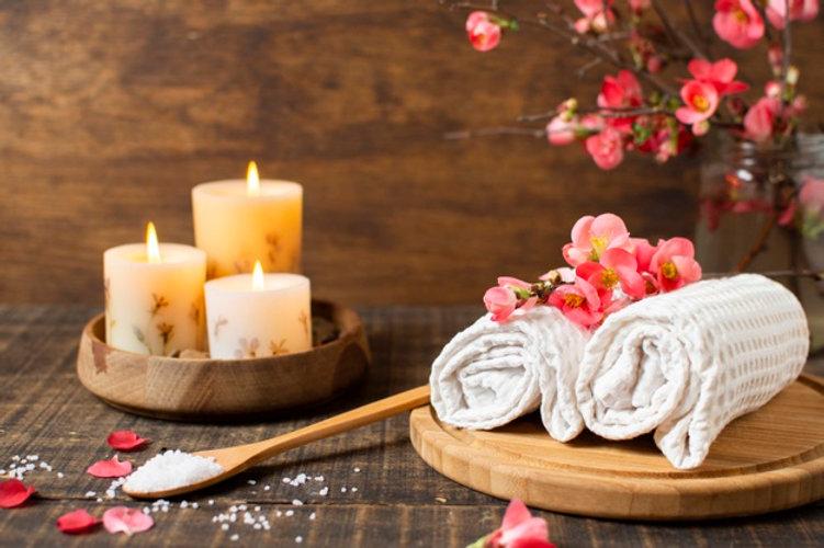 decoracion-spa-velas-encendidas-toallas_