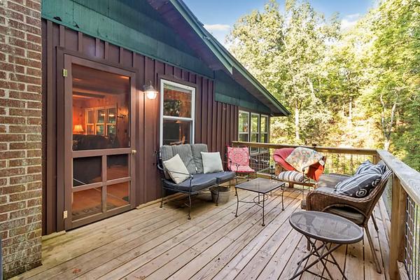 Mountain Cabin Rental.png